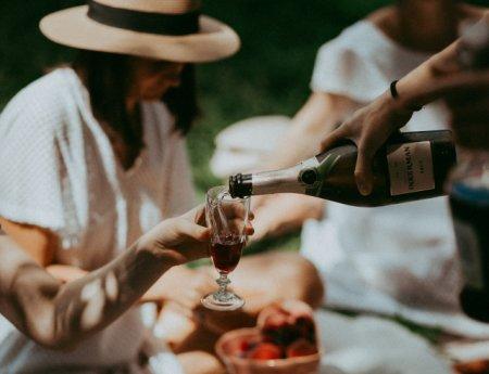 Шампанское-игристое-просекко: что нужно знать, чтоб не упасть в грязь лицом?